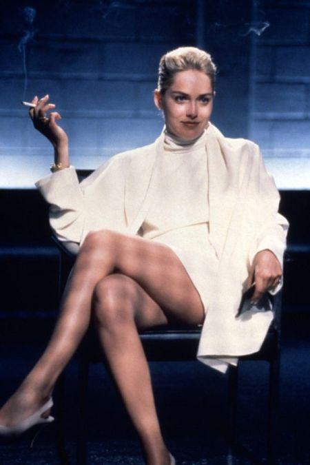 """Nogi aktorek mogą stać się ikoną seksapilu – Sharon Stone w filmie """"Nagi instynkt"""