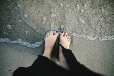 Jak dbać o stopy? Poznaj najlepsze, domowe sposoby!